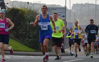 Jonathan-Eagle-at-Bradford-10K-by-Dave-Woodhead